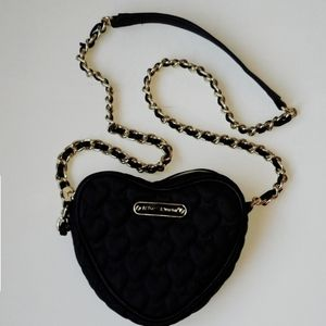 Betsey Johnson Heart Crossbody Bag 🖤